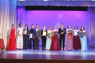 Глава города Владислав Фролов поздравил рязанских выпускников