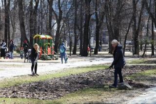 Депутаты Рязанской городской Думы и сотрудники аппарата приняли участие в акции по уборке города