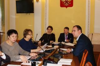 Юлия Рокотянская: «В кратчайшие сроки нужно привести в порядок подъездные пути к школам и детским садам»