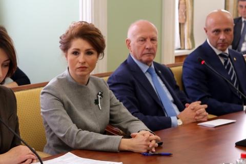 Юлия Рокотянская приняла участие в публичных слушаниях по проекту областного бюджета