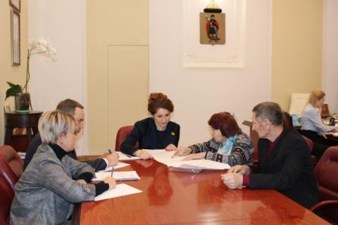 В День Конституции Юлия Рокотянская провела прием граждан