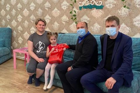 Денис Сидоров: «Пусть наших детей окружает любовь, забота и доброта»