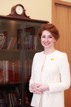 Поздравление главы муниципального образования Юлии Рокотянской с Днем семьи, любви и верности