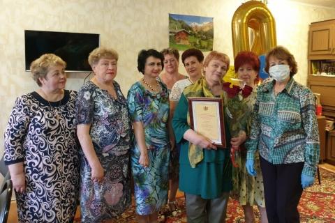Лариса Максимова поздравила с юбилеем председателя общества инвалидов
