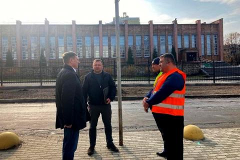 Сергей Еремин проверил качество ремонта ул. 2-я Линия