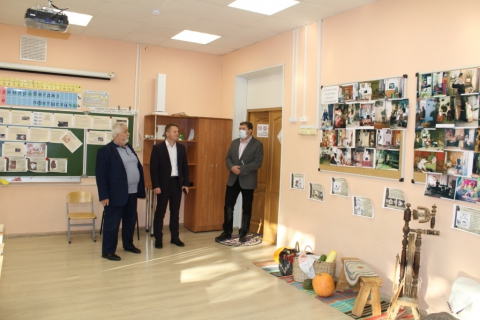 Александр Бурцев: «Сохранение здоровья школьников – одна из важнейших задач»